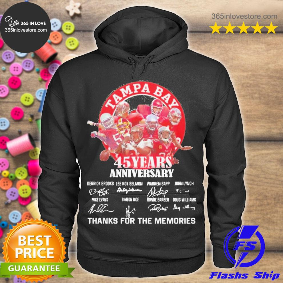 Tampa bay buccaneers 45 years anniversary thank you for the memories signatures s hoodie tee